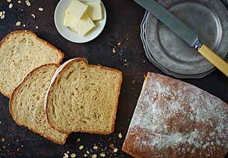Oatmeal Toasting and Sandwich Bread