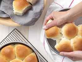 Golden Pull-Apart Butter Buns