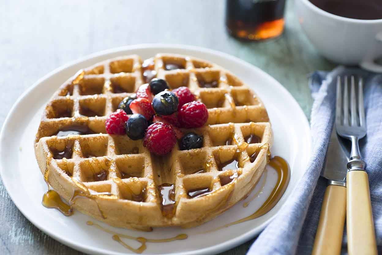 The Presto FlipSide Belgian Waffle Maker draws an unqualified recommendation and Best Buy designation from a professional test kitchen. Thousands of happy owners agree, saying it makes the best waffles they've ever eaten and does so consistently, waffle after waffle.