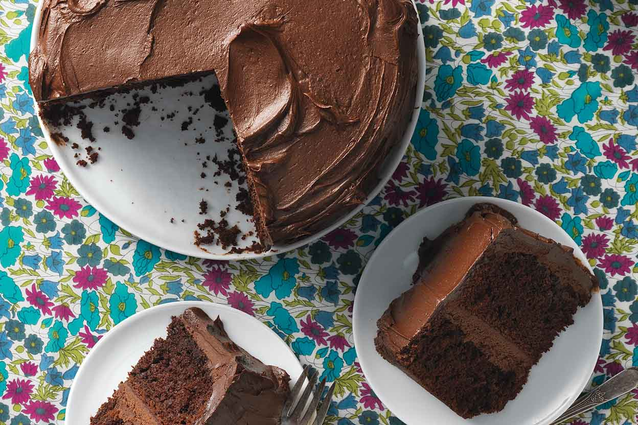 How To Spread Frosting Without Tearing Cake