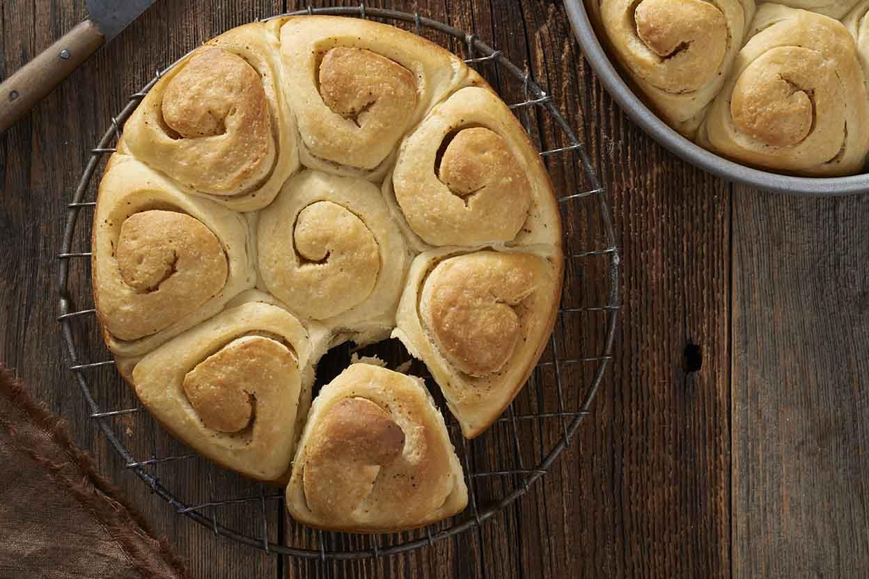 آموزش تهیه انواع نان و خمیر ( پیتزا - پیراشکی )
