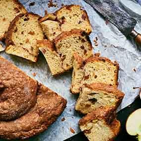 Cinnamon-Apple Raisin Challah