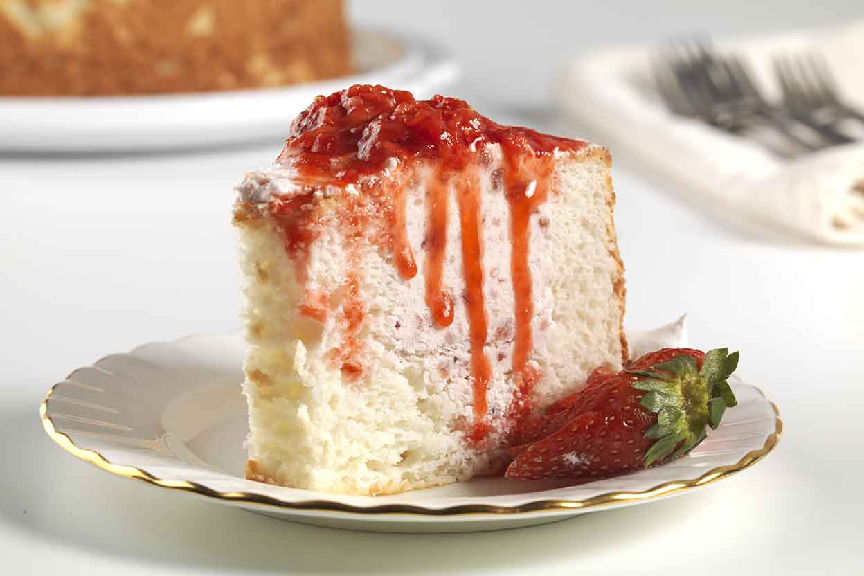 Cake Recipes In Pictures: Strawberry-Filled Angel Food Cake Recipe