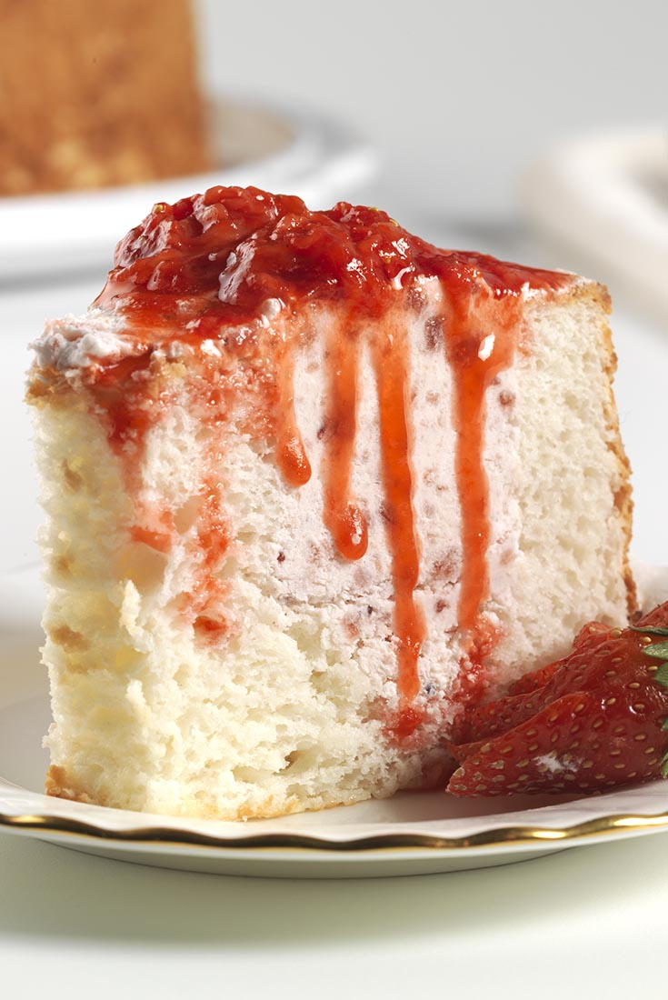 Strawberry-Filled Angel Food Cake Recipe
