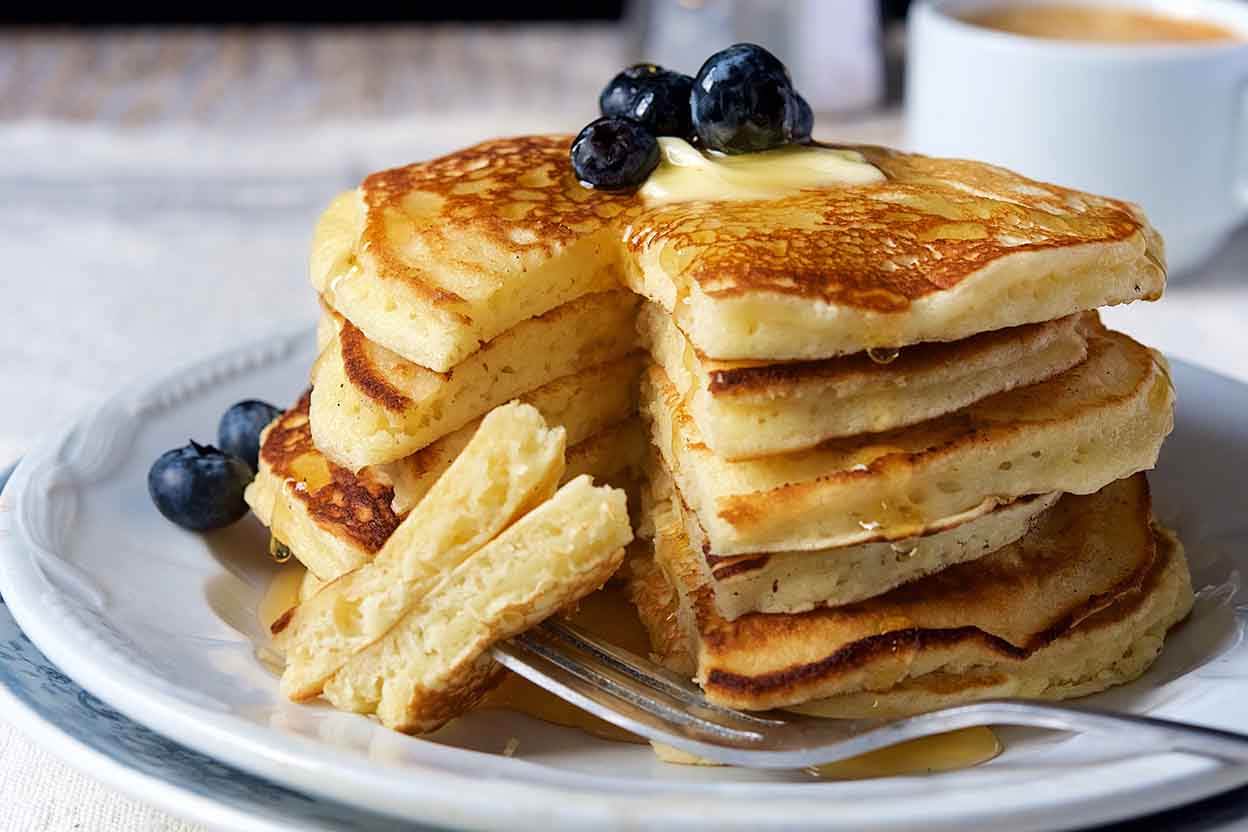 Stuffed and thin pancakes: a recipe for an amazing dish