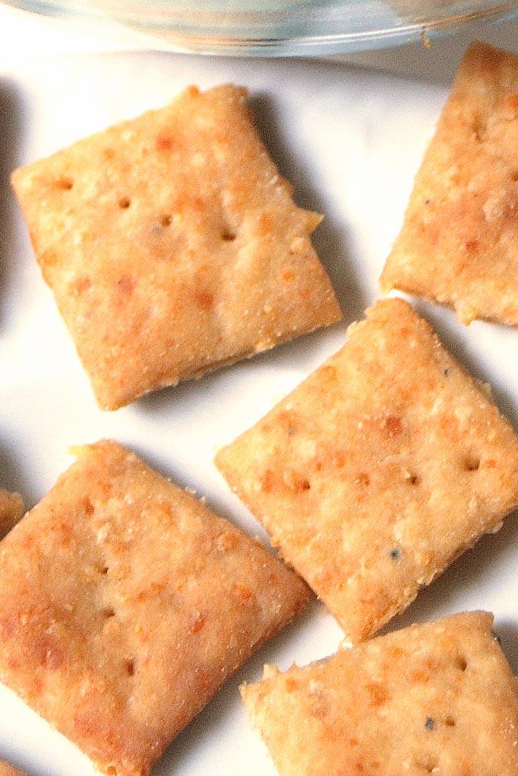 Crunchy Parmesan Crackers Recipe