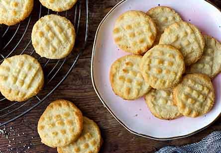 Gluten-Free Almond Flour Shortbread Cookies