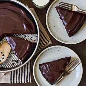 King Arthur Flour's Original Cake Pan Cake