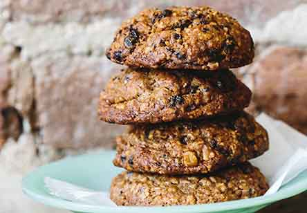 Cardamom-Spice Oat Cookies
