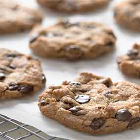 Crunchy Whole-Grain Chocolate Chip Cookies