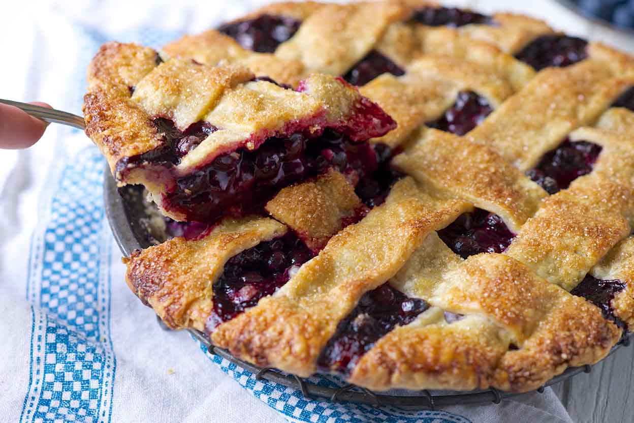 Fresh Berry Pie: Best Recipes and Cooking Features 74